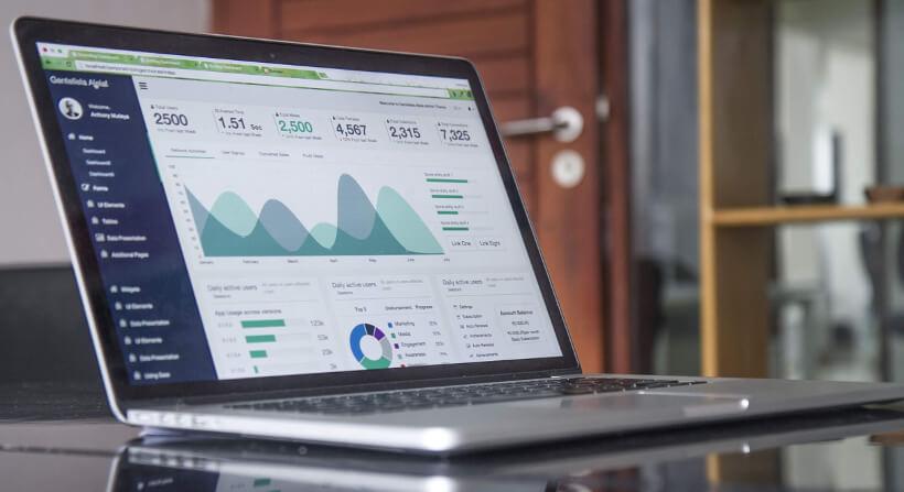 Servidor de gráficas con Highcharts en Docker